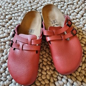 Birkis red closed toe clogs, 38